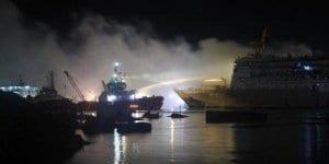 Kapal Pelni - Kebakaran KM Awu di Pelabuhan Tanjung Emas
