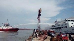 Pelabuhan Tanjung Emas - Kebakaran Kapal Panorama Nusantara